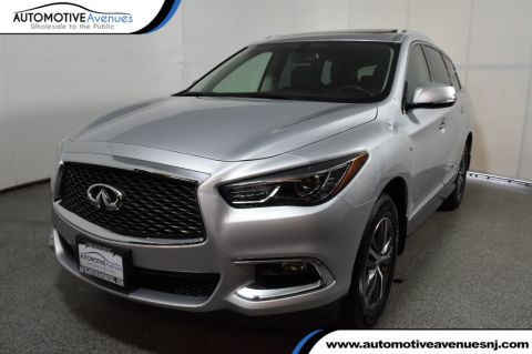 Pre-Owned 2018 INFINITI QX60 AWD with Premium package