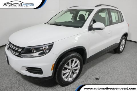 Pre-Owned 2017 Volkswagen Tiguan Limited 2.0T FWD with Premium Package