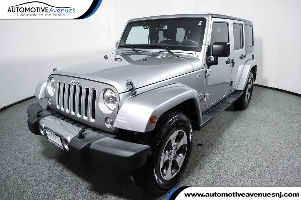 Pre-Owned 2016 Jeep Wrangler Unlimited 4WD 4dr Sahara with Dual Top Group (Soft Top Included)