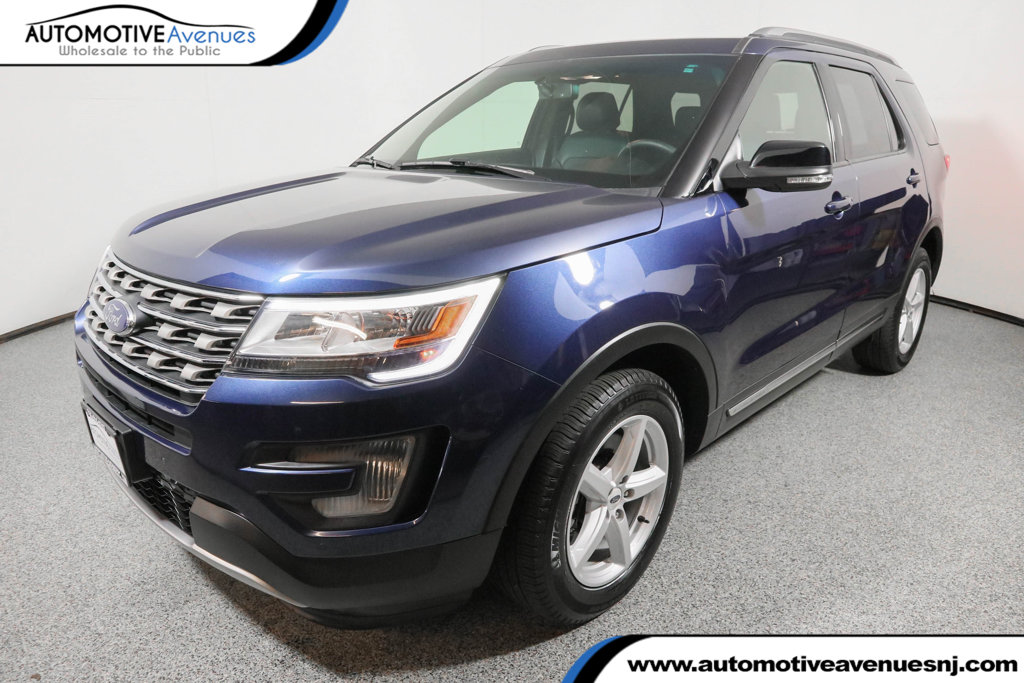 Pre Owned 2016 Ford Explorer 4wd Xlt W Equipment Group 202a Navigation