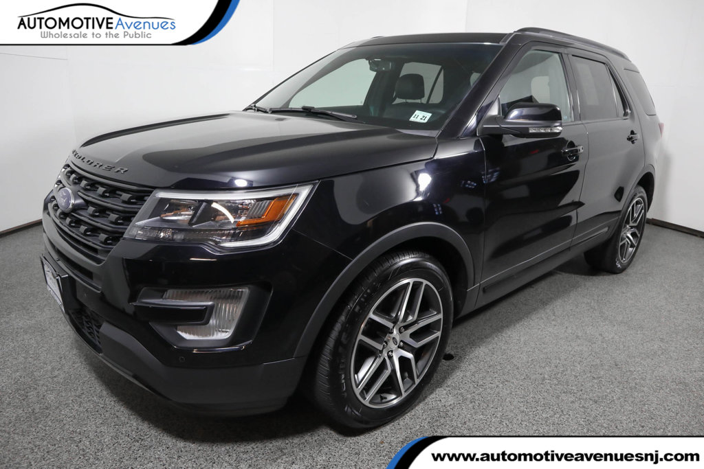 Pre-Owned 2017 Ford Explorer Sport 4WD w/ Equipment Group 401A & Twin Panel Moonroof