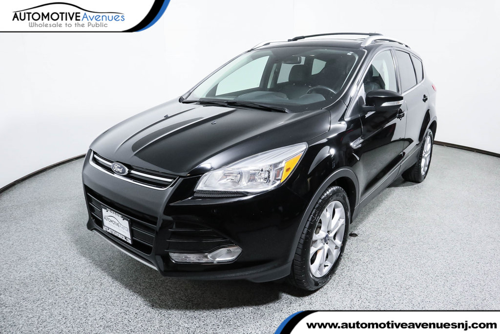 Pre-Owned 2016 Ford Escape 4WD 4dr Titanium with Panoramic Vista Roof & Navigation