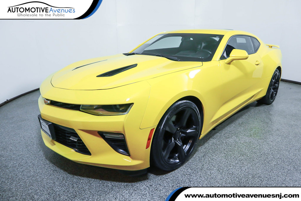 Pre-Owned 2017 Chevrolet Camaro 2dr Coupe 2SS with Power Sunroof & Navigation