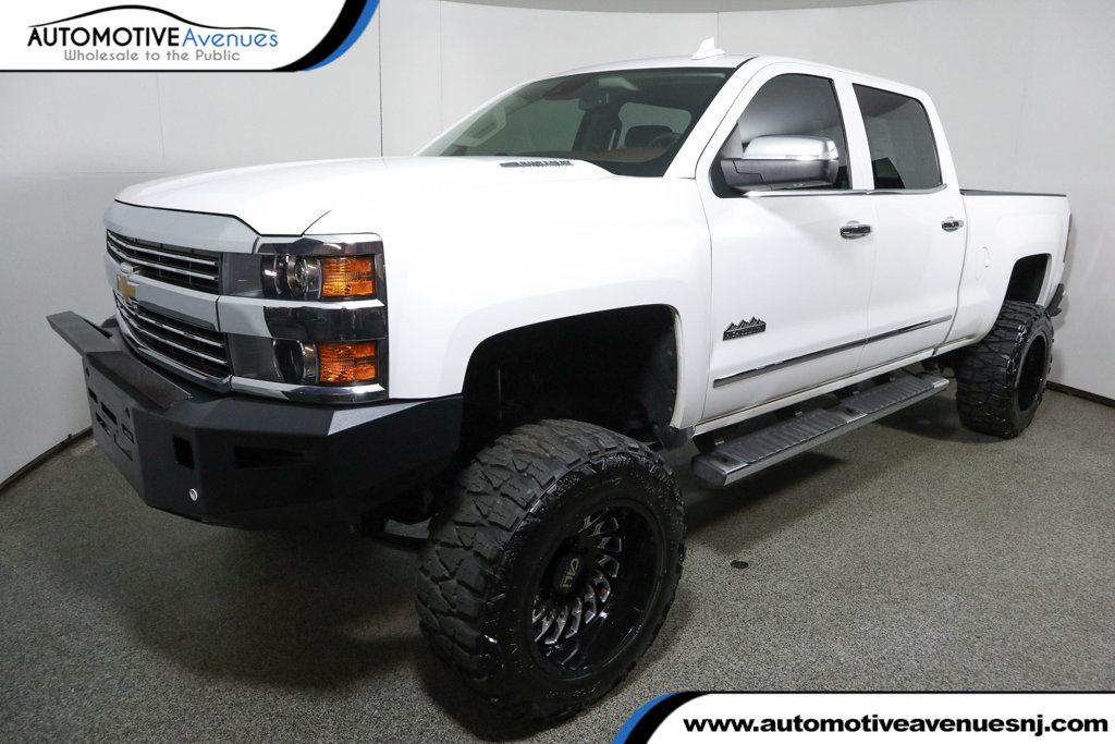 "Pre-Owned 2015 Chevrolet Silverado 2500HD 4WD Crew Cab 153.7"" High Country w/ Duramax Plus Package"