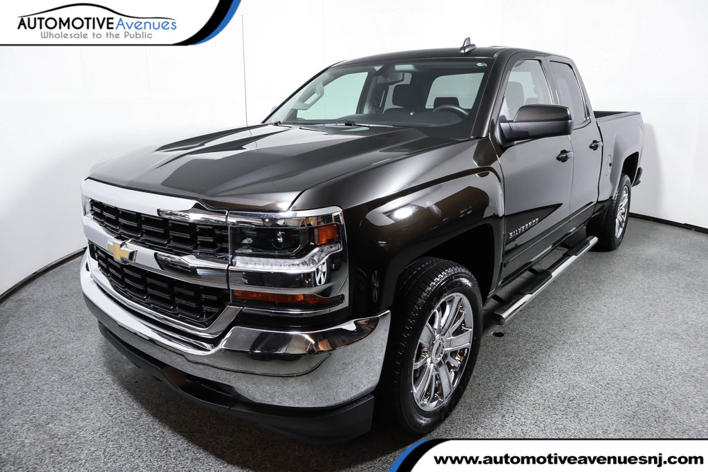 "Pre-Owned 2018 Chevrolet Silverado 1500 4WD Double Cab 143.5"" LT w/1LT"