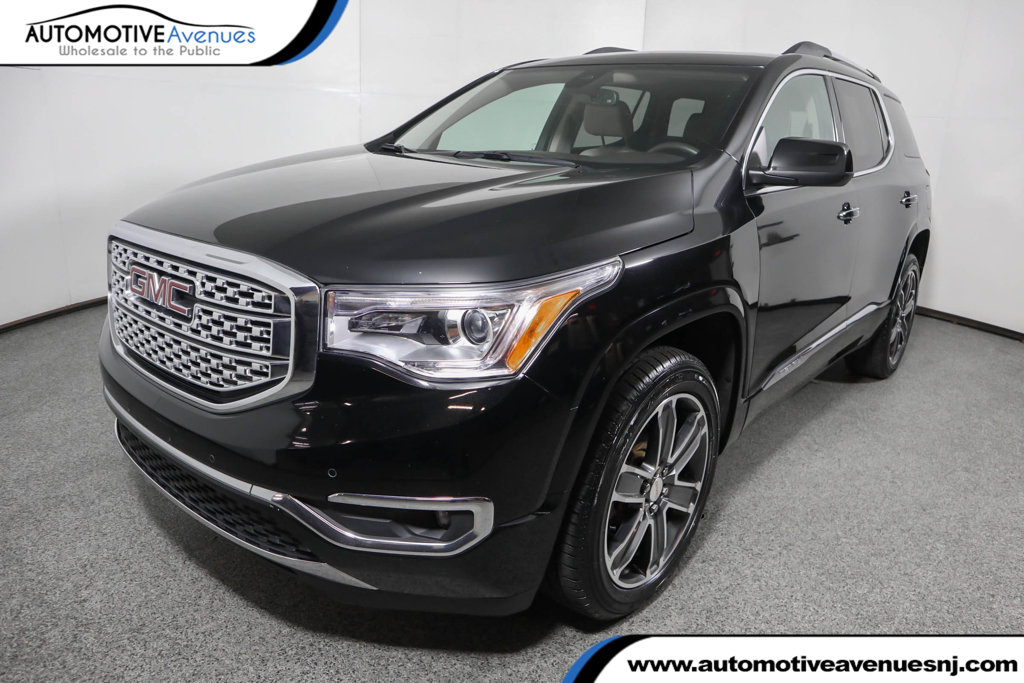 Pre-Owned 2017 GMC Acadia AWD 4dr Denali w/ Dual Skyscape Sunroof
