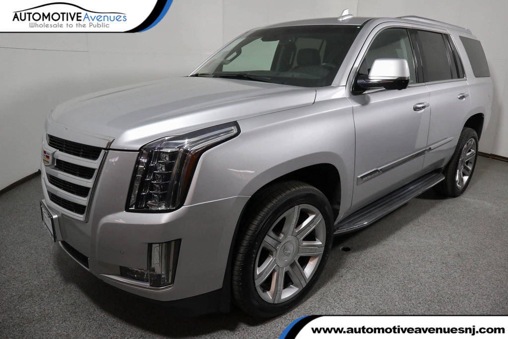 Pre-Owned 2016 Cadillac Escalade 4WD Luxury Collection w/ Rear Seat Entertainment System
