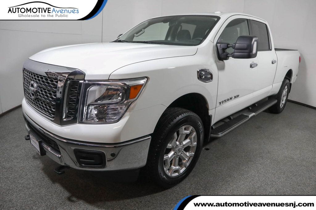 Pre-Owned 2018 Nissan Titan XD 4x4 Diesel Crew Cab SV w/ Convenience Package