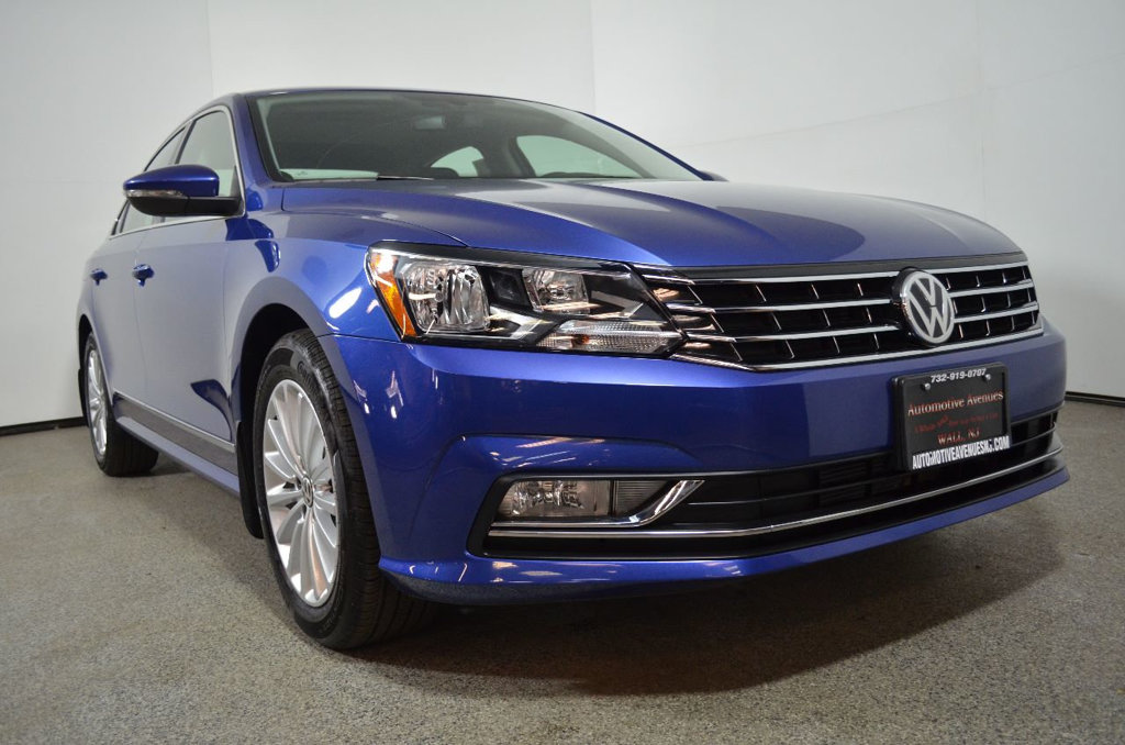 Pre-Owned 2016 Volkswagen Passat 4dr Sedan 1.8T Automatic SE