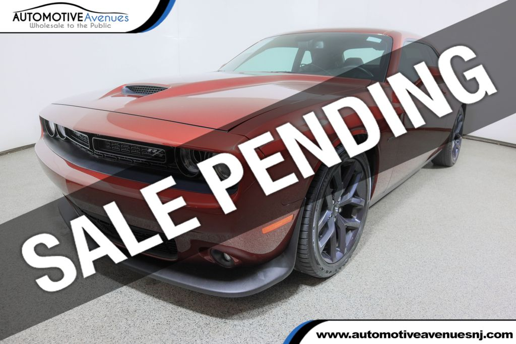 Pre-Owned 2019 Dodge Challenger R/T w/ Blacktop & Driver Convenience Packages