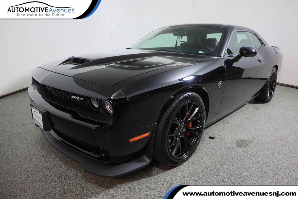 Pre-Owned 2016 Dodge Challenger Coupe SRT Hellcat w/ Sunroof