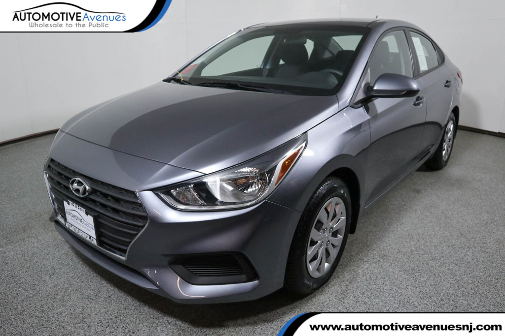 Pre-Owned 2018 Hyundai Accent SE Sedan Manual
