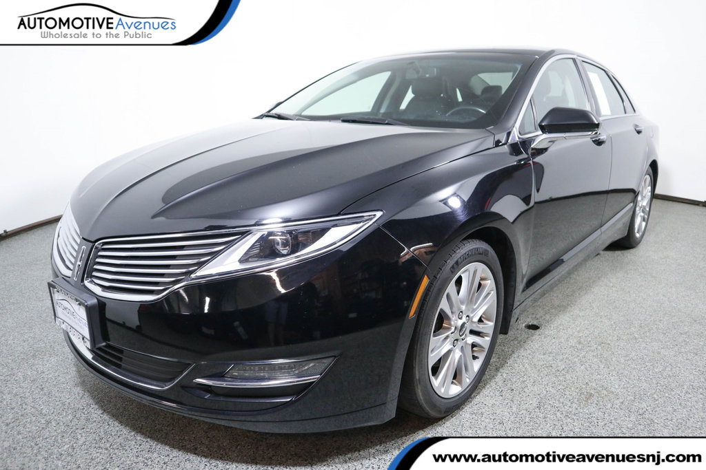 Pre-Owned 2016 Lincoln MKZ 4dr Sedan AWD Reserve with Power Moonroof & Navigation