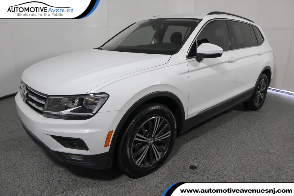 Pre-Owned 2018 Volkswagen Tiguan 2.0T SEL FWD with 3rd Row Seating