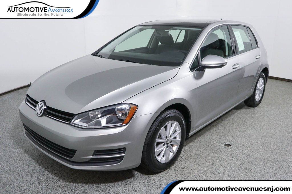 Pre-Owned 2016 Volkswagen Golf TSI S w/Sunroof 4dr Hatchback Automatic
