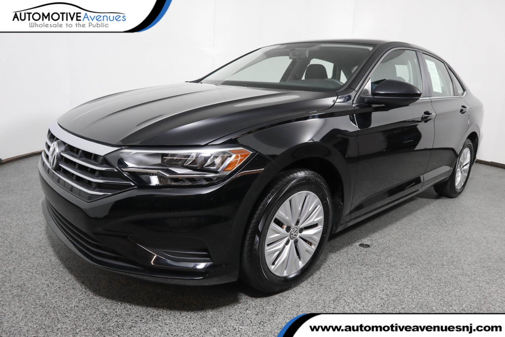 Pre-Owned 2019 Volkswagen Jetta 1.4T S Manual