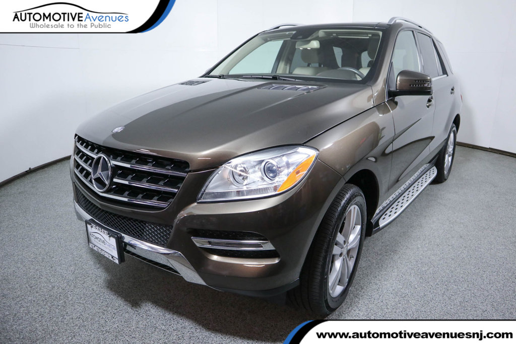 Pre-Owned 2015 Mercedes-Benz M-Class 4MATIC® 4dr ML 350 w/ Premium Package & Panorama Sunroof