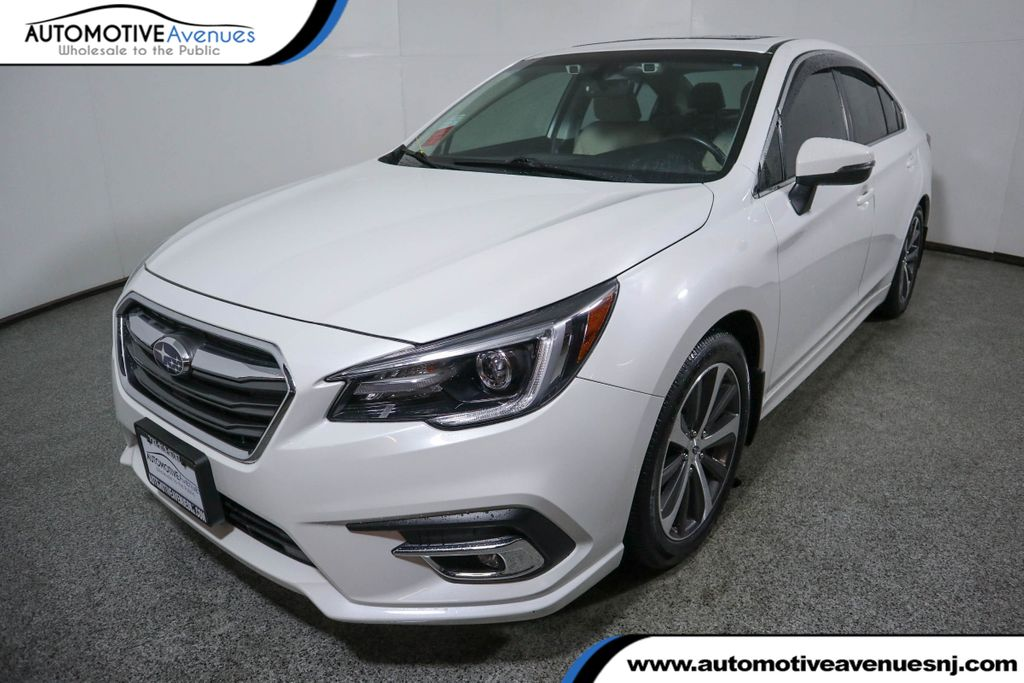 Pre-Owned 2018 Subaru Legacy 3.6R Limited w/ Eyesight & Nav System & High Beam Assist & Rab