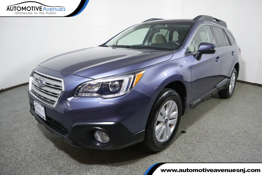Pre-Owned 2017 Subaru Outback 2.5i Premium Wagon w/ Eyesight & Blind Spot Package