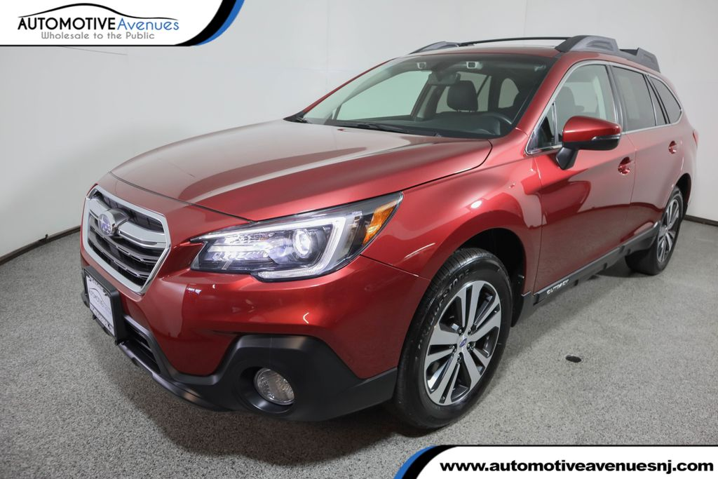 Pre-Owned 2019 Subaru Outback 2.5i Limited w/ Moonroof & Navigation & Hba & Rab & Led SRH