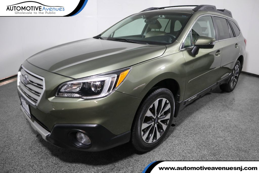 Pre-Owned 2017 Subaru Outback 2.5i Limited w/ Eyesight & Navigation & Hba & Rab & Hid Lights