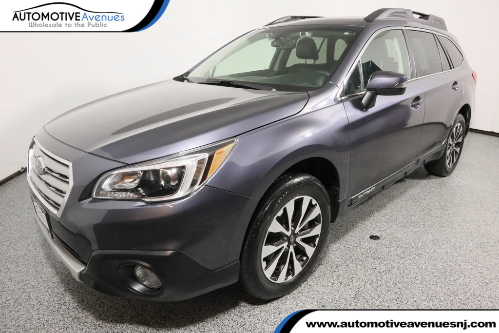 Pre-Owned 2017 Subaru Outback 3.6R Limited Wagon with Eyesight & Navi & High Beam Assist & RAB