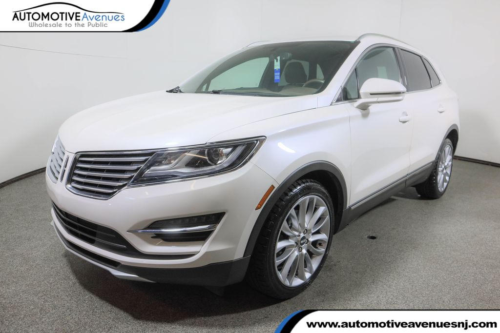 Pre-Owned 2017 Lincoln MKC Reserve FWD w/ Panoramic Vista Mooroof