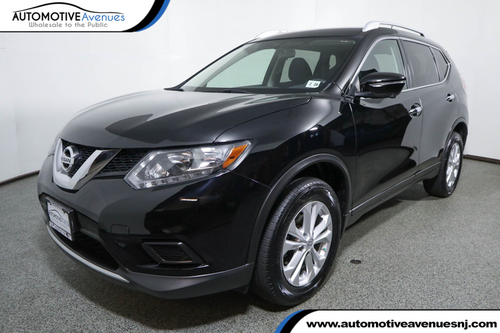 Pre-Owned 2015 Nissan Rogue AWD 4dr SV with Premium Package