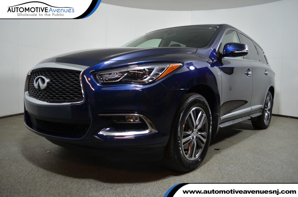 Pre-Owned 2017 INFINITI QX60 AWD
