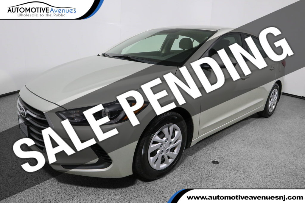 Pre-Owned 2017 Hyundai Elantra SE 2.0L Automatic *Ltd Avail*