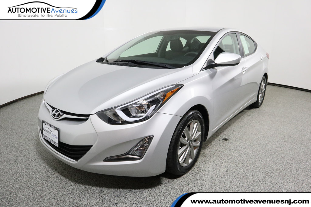 Pre-Owned 2016 Hyundai Elantra 4dr Sedan Automatic SE
