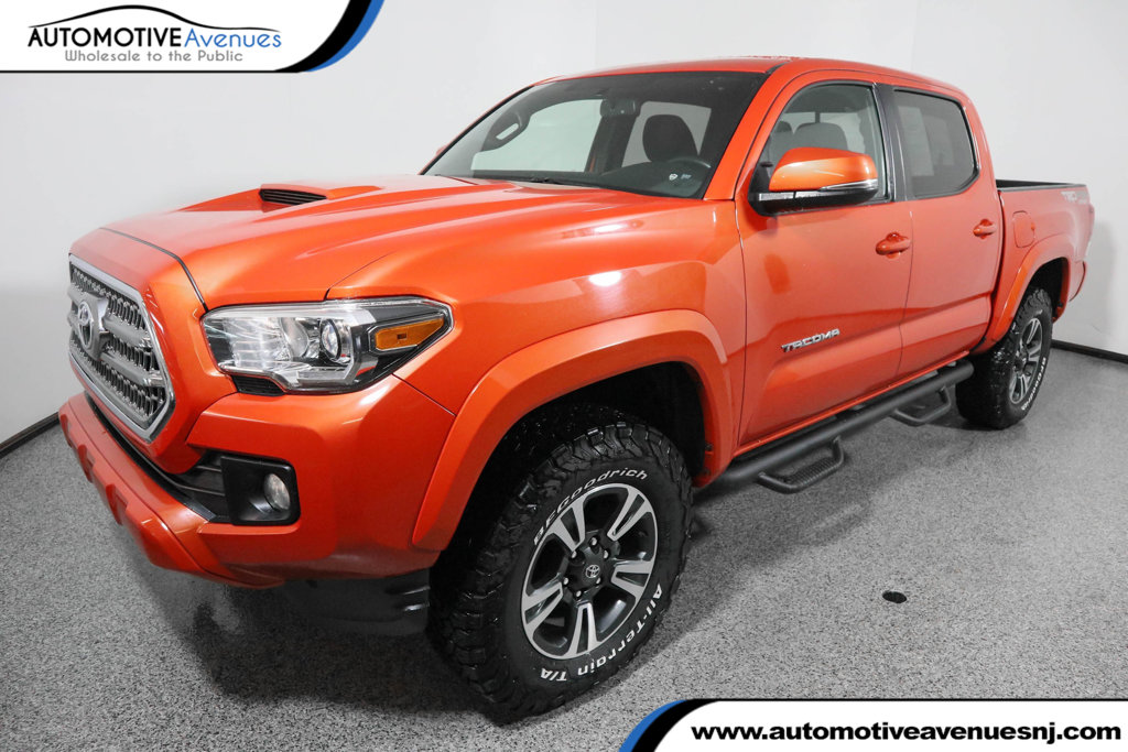 Pre Owned 2016 Toyota Tacoma Trd Sport Double Cab 4wd V6 Automatic With Towing Package