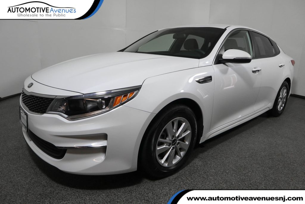 Pre-Owned 2018 Kia Optima LX Automatic