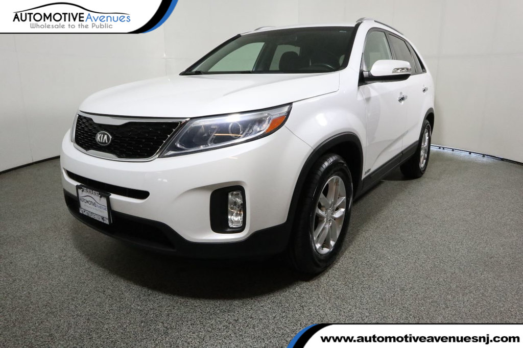 Pre-Owned 2015 Kia Sorento AWD LX with Convenience Package