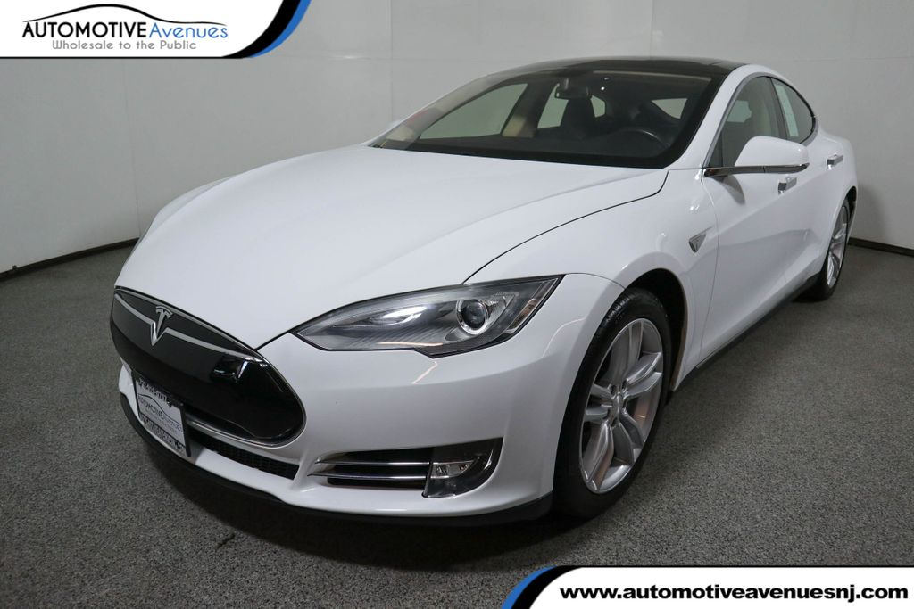 Pre-Owned 2013 Tesla Model S 4dr Sedan Performance with Tech Package