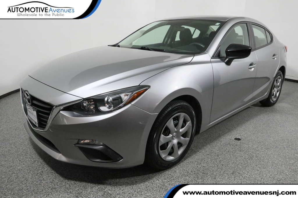 Pre-Owned 2015 Mazda3 4dr Sedan Automatic i SV