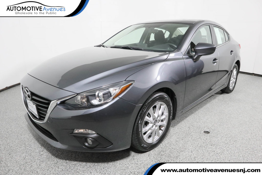 Pre-Owned 2016 Mazda3 4dr Sedan Automatic i Touring