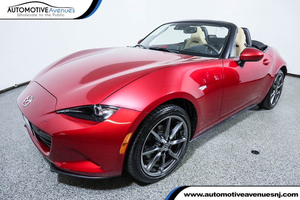 Pre-Owned 2016 Mazda MX-5 Miata 2dr Convertible Manual Grand Touring