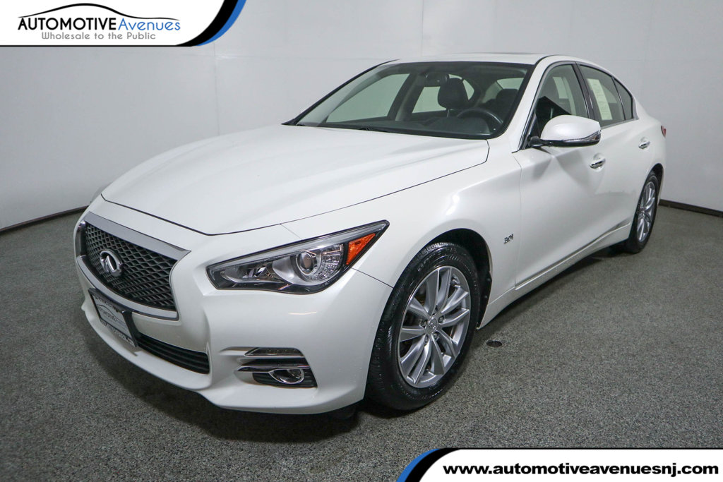 Pre-Owned 2016 INFINITI Q50 4dr Sedan 3.0t Premium AWD w/ Premium Plus Package