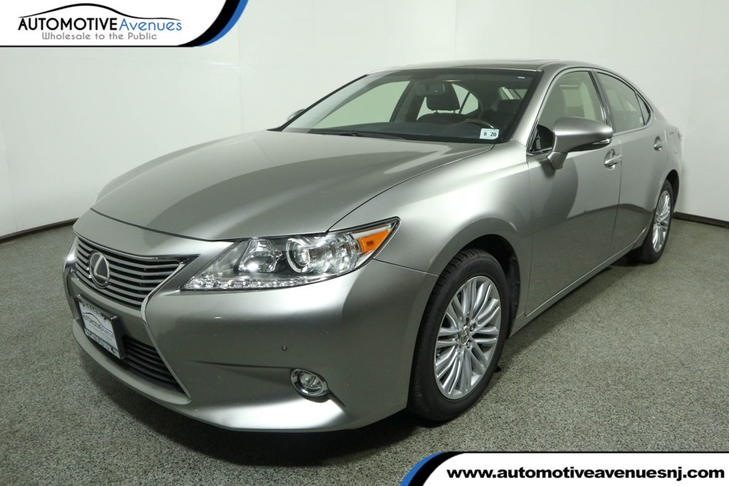 Pre-Owned 2015 Lexus ES 350 ES 350 w/ Navigation & Luxury Package