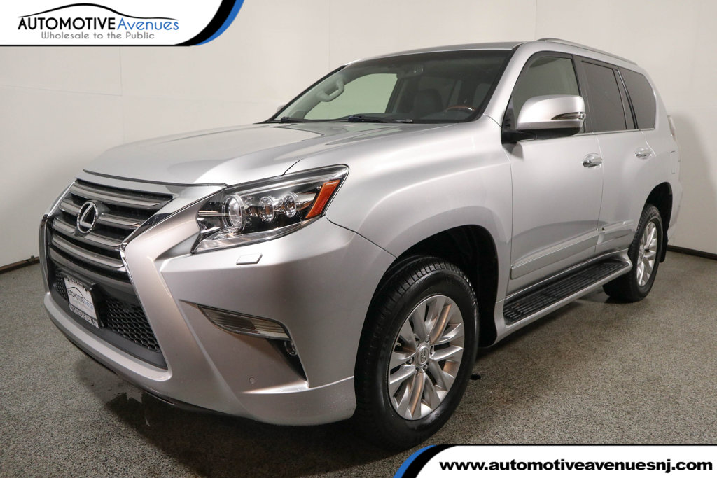 Pre-Owned 2015 Lexus GX 460 4WD 4dr with Premium Package