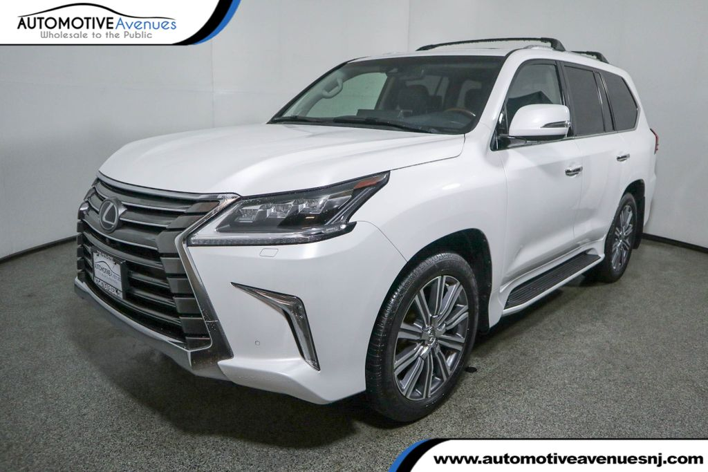 Pre-Owned 2017 Lexus LX LX 570 4WD w/Luxury Pkg, Rear DVD & Mark Levinson Sound