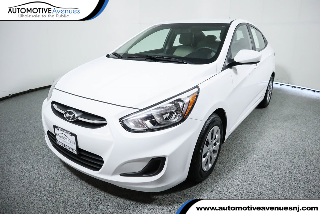 Pre-Owned 2017 Hyundai Accent SE Sedan Automatic