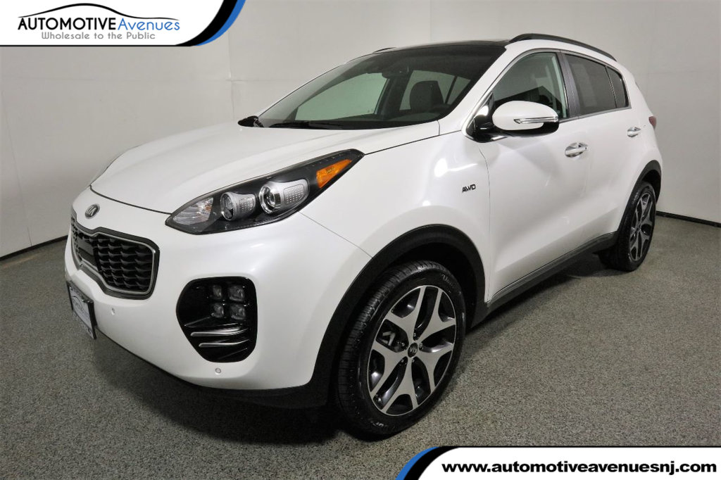 Pre-Owned 2018 Kia Sportage AWD SX Turbo w/ Heated/Ventilated Seats, Navi, & Pano Sunroof