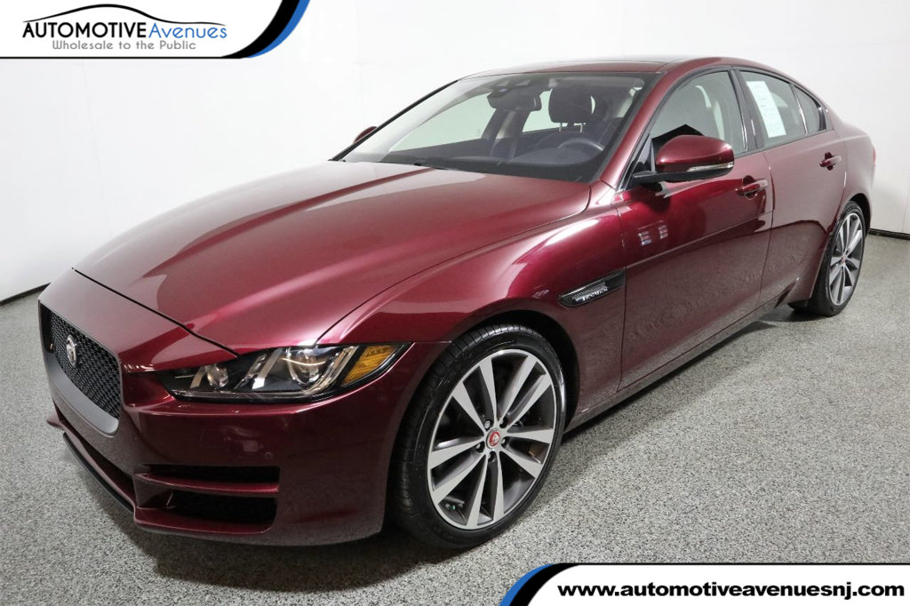 Pre-Owned 2017 Jaguar XE 35t Prestige with Vision & Technology Packages