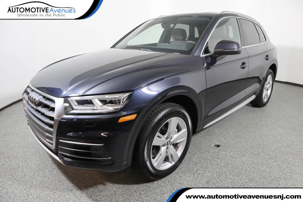 Pre-Owned 2018 Audi Q5 2.0 TFSI Premium Plus with Navigation & 19 Inch Wheels