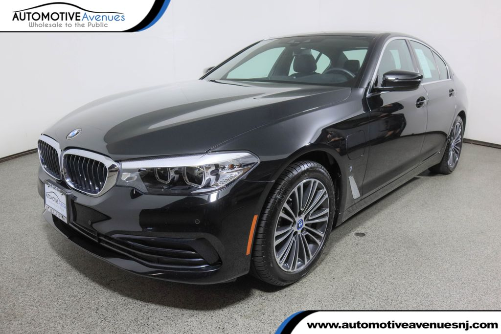 Pre-Owned 2019 BMW 5 Series 530e iPerformance Plug-In Hybrid w/ Convenience Pkg