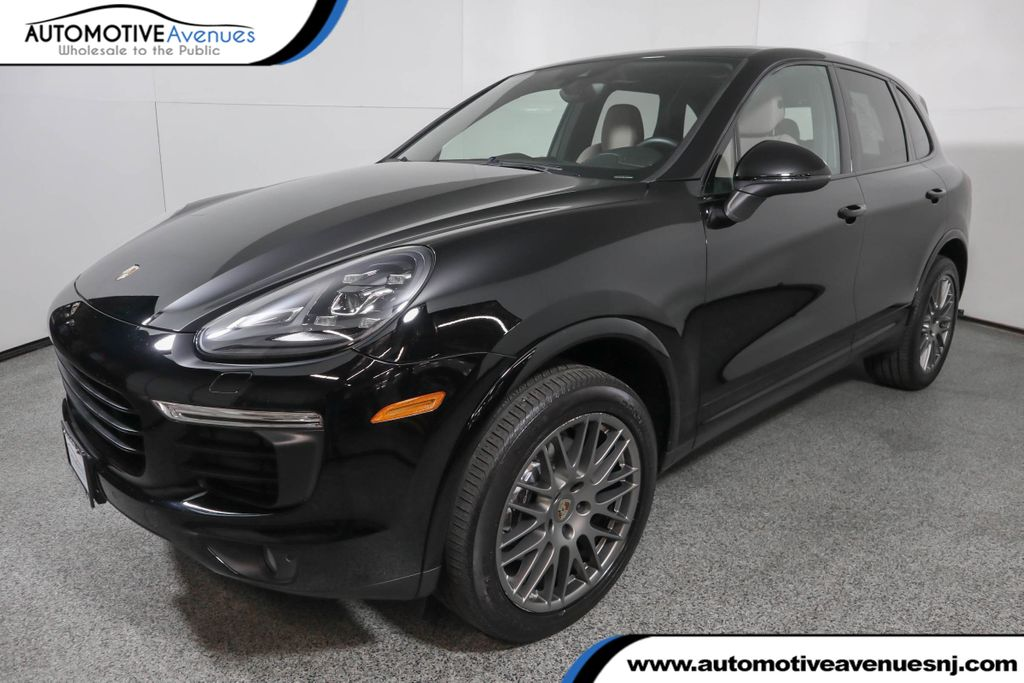Pre-Owned 2018 Porsche Cayenne Platinum Edition w/ Premium Package Plus and Panoramic Sunroof