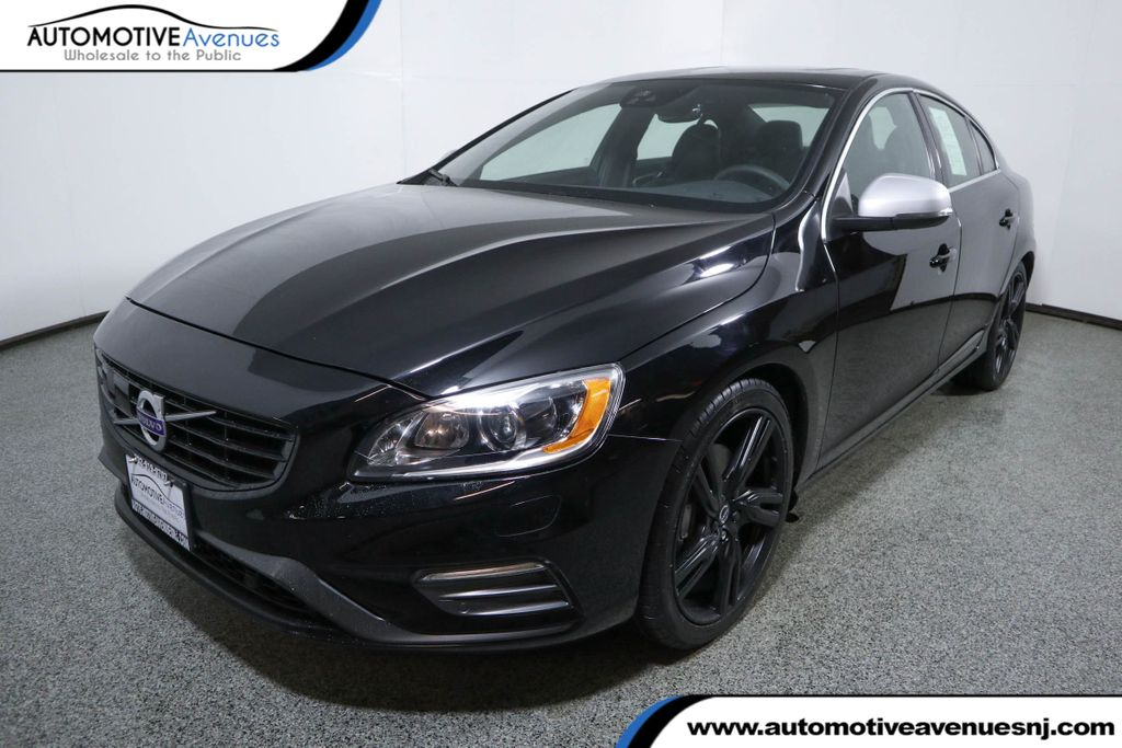 Pre-Owned 2017 Volvo S60 T6 AWD R-Design Platinum w/ Climate Package