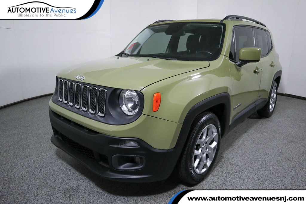 Pre-Owned 2015 Jeep Renegade FWD 4dr Latitude with Navigation